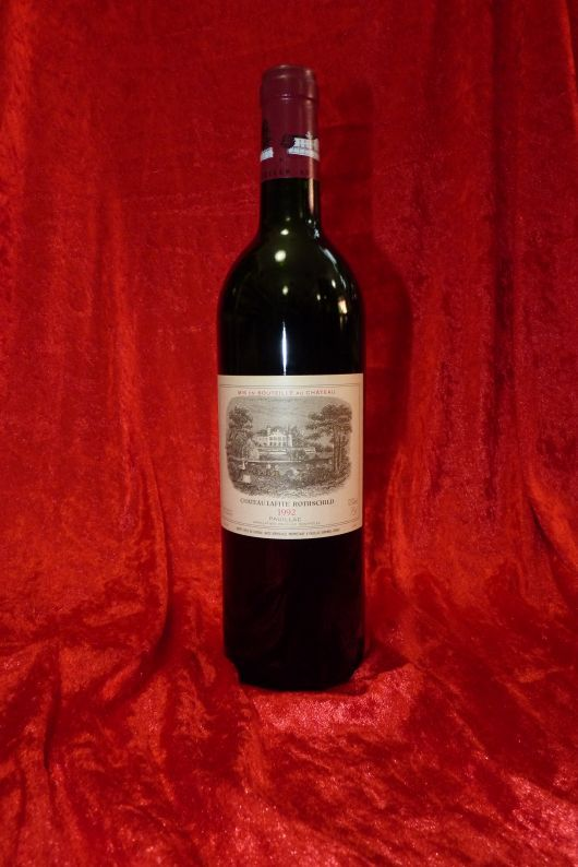 1992 Chateau Lafite Rothschild, Pauillac. France. 2 bottles, 0,75 l each