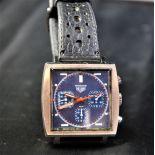 Montre HEUER Monaco, cal. 7636, bracelet d'origine. New old stock.