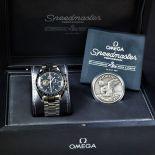 Montre bracelet OMEGA Speedmaster, 40e anniversaire. Boîte et papier. New old stock.
