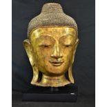 Tête de Bouddha Mandalay. Papier mâché doré. 18 19ème s. Hauteur  60cm.