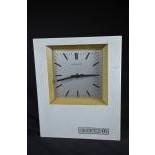 Horloge PATEK PHILIPPE, quartz-m. Hauteur  32cm, Largeur  27cm.
