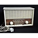 Bakelit - Radio by Graetz Baroness 610 Vollsuper. Height  23 cm.