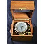 Chronomètre de marine Thomas Mercer, réserve de marche 56 heures, à réviser.