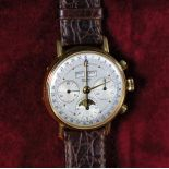 18 ct gold chronograph RECORD Genève. Triple display with Moon phase. In very good condition.