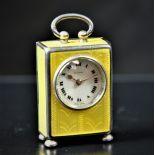 Pendule miniature de bureau en argent émaillé, signé ZENITH sur cadran en émail, no 10092....