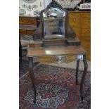 Women's dressing table. Style Louis XV. Ca. 1900 143 x83 x 49 cm