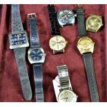 7 montres-bracelet dans boîte.