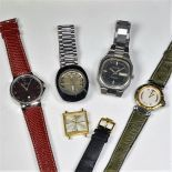 Lot de 5 montres.