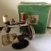 Singer sewing machine, childrens toy