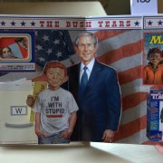 MAD about politics. Pop-up book