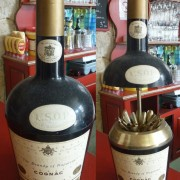 The bottle of Cognac VSOP hides cigarettes