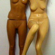 Pair of female mannequins 70/80