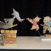 Cardboard cut scene The Wolf and the 3 Little Pigs